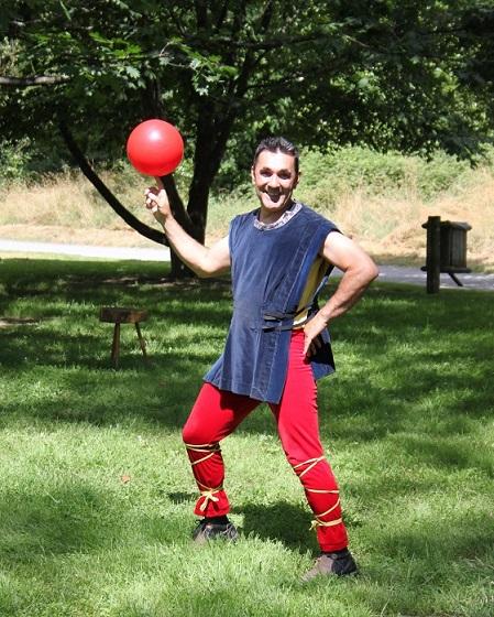 Ballon qui tourne sur un doigt cirkonflex