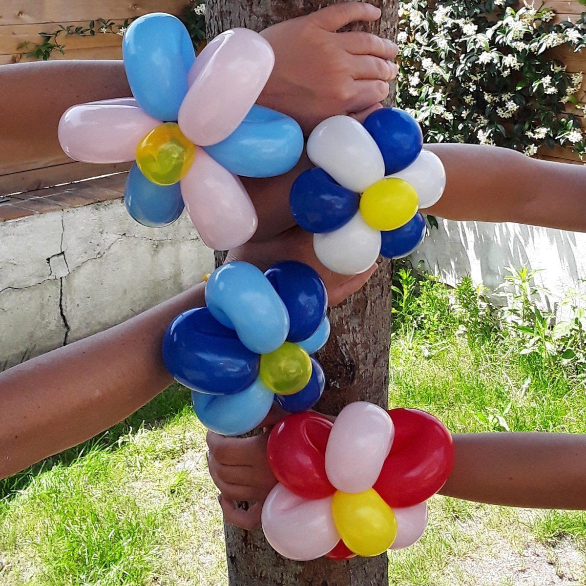 Plusieurs fleurs en bracelet cirkonflex